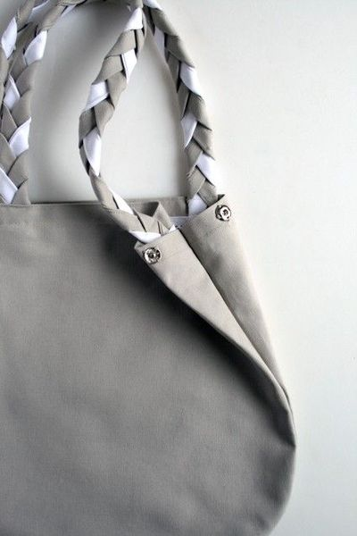 Braided Handle Canvas Tote by The Purl Bee (http://www.purlbee.com/the-purl-bee/2011/4/16/mollys-sketchbook-braided-handle-canvas-tote.html)