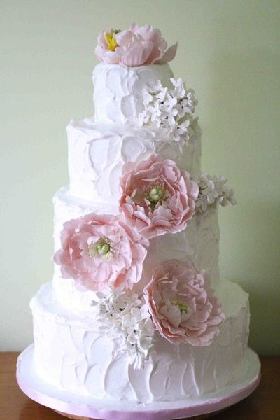 Pretty Wedding Cake With Casual Icing And Gumpaste Flowers