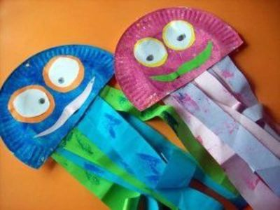 Paper plate jellyfish craft ideas juxtapost for Sea life arts and crafts