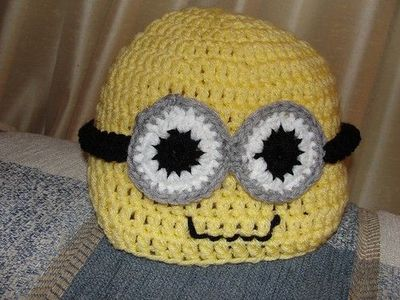 Despicable Me Minion Hat! / crochet ideas and tips - Juxtapost