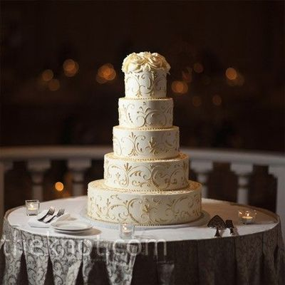 Ivory and champagne / wedding cakes - Juxtapost