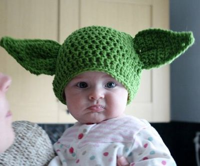 Knitting Pattern Baby Yoda Hat : Knitted Yoda Hat