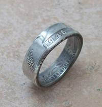 uNiQue CHRiSTMaS GiFT SoMeTHiNG THeY DoNT ALReaDY HaVe Silver Coin Ring 1946 Washington Quarter 90% Fine Silver Jewlery Size 8 from etsy.com
