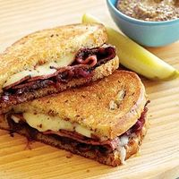 11 Creative grilled cheese recipes