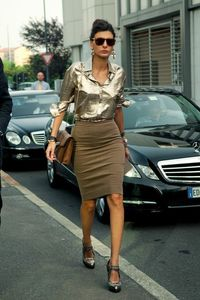Pencil skirt and blouse. #style #pencil #skirt