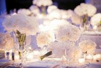 transparent vases and roses for centerpiece