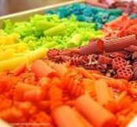 How to dye pasta beautiful colors! Very simple, just use a little bit of rubbing alcohol and 8-10 drops of food coloring.