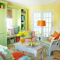 What a cheerful, unique room! LOVE!