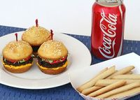 """Hamburger"" Cupcakes & Sugar Cookie ""Fries"" (recipe)"
