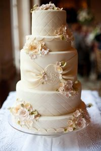 beautiful wedding cake with gumpaste flowers