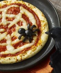 Mmmm a spider pizza!!! These might have to be our new entrees for the annual #Halloween party we throw each year!