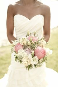 love this dress---Wendy Schultz Via Courtney Wright onto Wedding Dresses/ Gowns. Gorgeous !