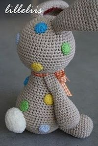 Easter bunny egg crochet pattern - Amigurumi Today | 299x200