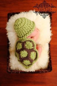 Cute little crochet outfits for babies!