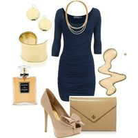 Love this dress and the tan accents with the navy:)