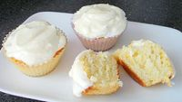 dessert for two. lemon cream cupcakes